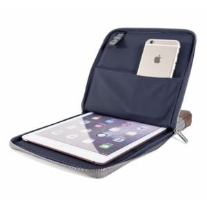 KMP Protective Sleeve iPad Grau Braun man